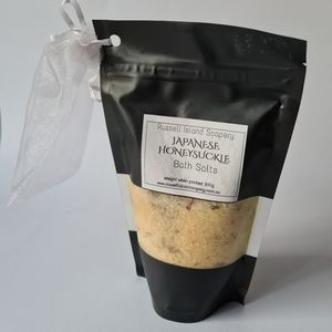 BRAND NEW Japanese Honeysuckle Bath Salts 300g Great Christmas Gift